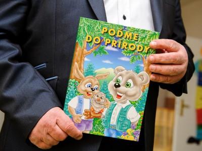 Odovzdávanie knižiek predškolákom 2017