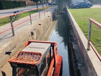 Čistenie potoka a natieranie zábradlia 2018
