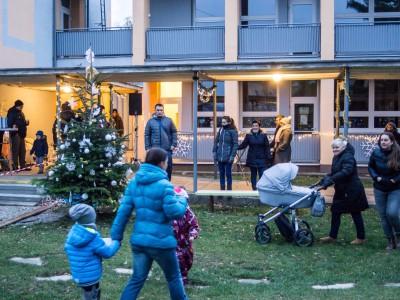 Rozsvecovanie vianočného stromčeka vMŠ 2018