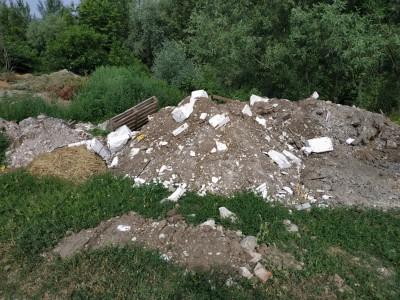 Skládka odpadu pri Váhu 2019