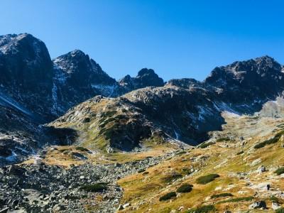 záver Veľkej Studenej doliny - zľava Kupola, Východná Vysoká, sedlo Prielom, Divá veža, Svišťový chrbát, Svišťový štít
