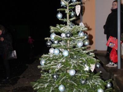 Rozsvecovanie stromčeka v MŠ Ladce 2019