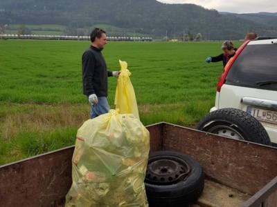 Aktivisti čistili aj Tunežice
